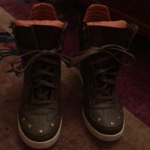 Report boots size 11